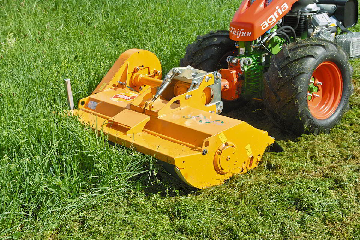 sme-flail-mower-tractor